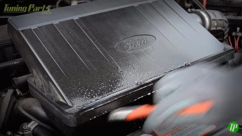 pincel-lavar-motor
